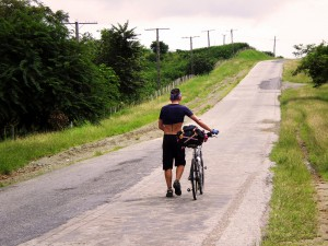 Carretera de Santa Clara, Cuba by bike